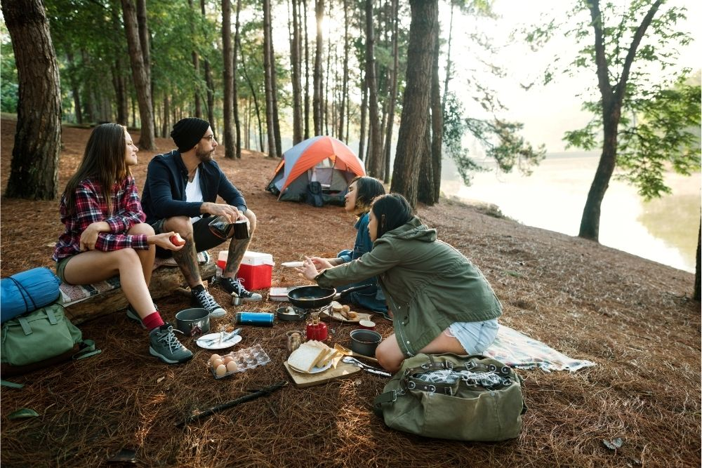 How To Keep Food Cold While Camping 1